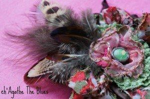 Nouveauté: broche fleur textile et plumes... dans bijoux en couleur... DSC00045-300x199