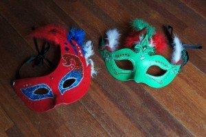 Bricolage pour enfants: Masques vénitiens pour le carnaval... dans bricolages divers et variés... DSC02125-300x199