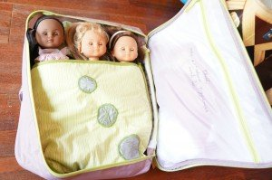 Un lit de voyage/valise pour nos chéries de Corolle... dans couture?? DSC02637-300x199